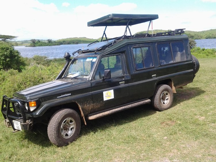 Landcruiser Safari Car